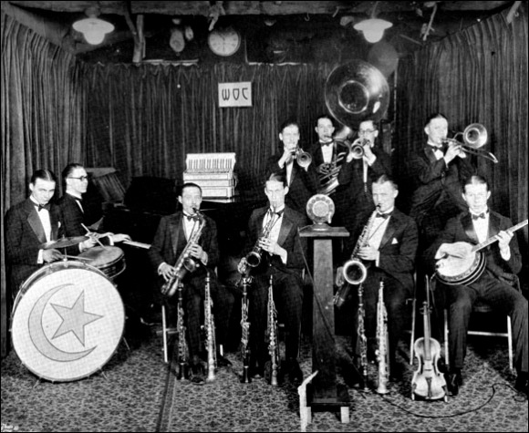 Bernie Schultz and His Crescent Orchestra, 1926, WOC studio of Davenport, Iowa (left to right: Johnny Day, Vic Carlson, George Byron Webb, Eddie Anderson, Bernie Schultz, Al Waffle, Wayne Rohlf, Omar Hoagland, Art Wunder, Sandy Ross)